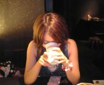 飲んでます。。